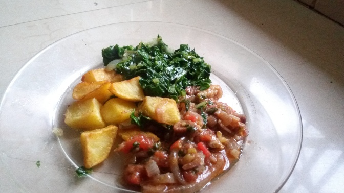 Simple Kitchen| Fried potato cubes and beef stew w/ steamed spinach